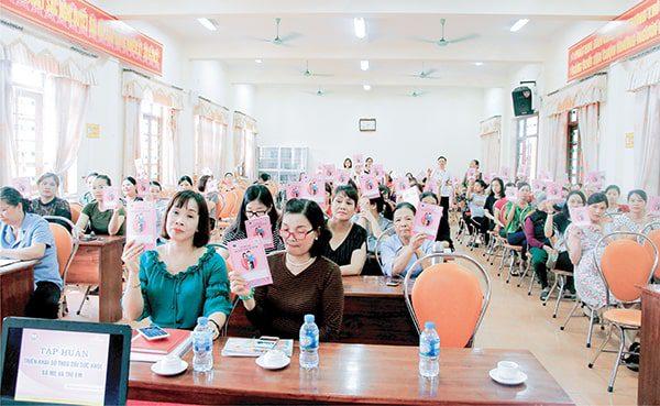 Vimos tập huấn Sổ TDSKBMTE cho  Các bà mẹ mang thai và nuôi con nhỏ tại Thanh Hóa tháng 4 năm 2019