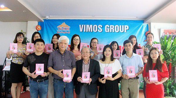 Đại biểu Quốc Hội, Nhà sử học Dương Trung Quốc - Ủy viên Ủy ban văn hóa giáo dục thanh thiếu niên và nhi đồng quốc hội, Ủy viên Ban chấp hành Hội Chữ Thập Đỏ Việt Nam đánh giá cao về lợi ích của Sổ TDSKBMTE