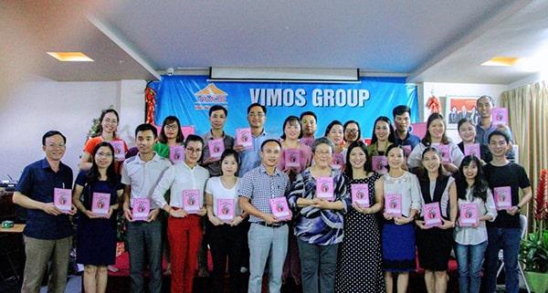 Bà Bando - Người truyền lửa cho những ai đồng hành cùng chương trình Sổ và truyền tình yêu Sổ đến với các bà mẹ Việt Nam