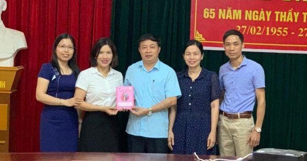 Lãnh đạo Dược phẩm VIMOS làm việc với Trung tâm kiểm soát bệnh tật tỉnh Thanh Hoá thống nhất về việc đồng hành chương trình Sổ theo dõi SKBMTE trong năm 2020